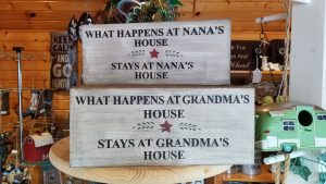 Decor Signs at Pepin Country Stop